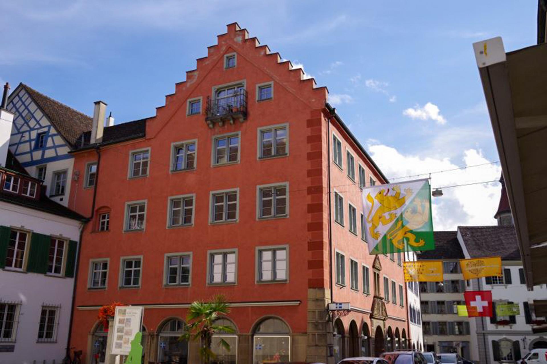 191125-Zahnarztpraxis-Dr-Oldertrøen-Frauenfeld-Gebaeude-von-aussen-1920x1280-colored